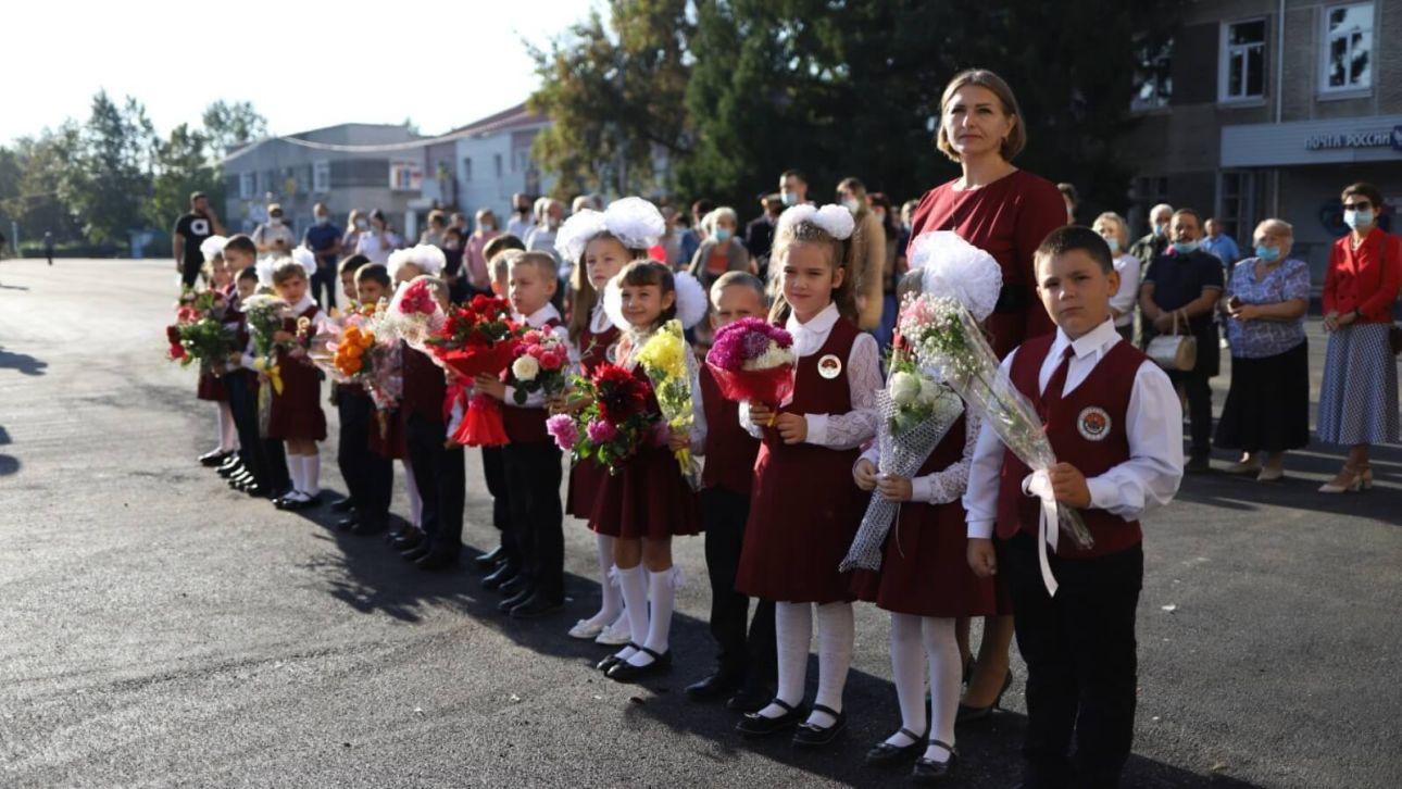 Родители скидываются на рециркуляторы в школы, пока власти ждут документы