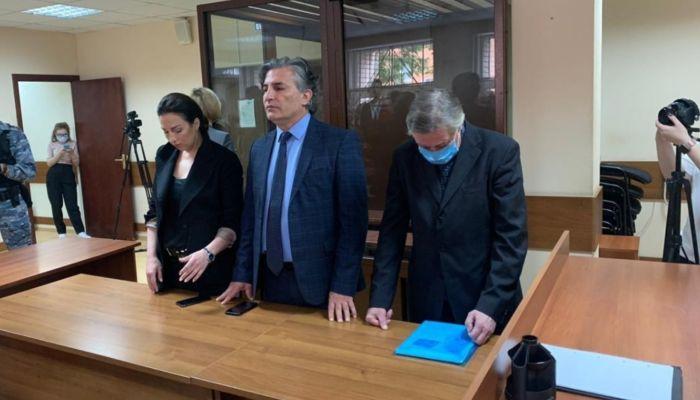 Суд признал Михаила Ефремова виновным в смертельном ДТП