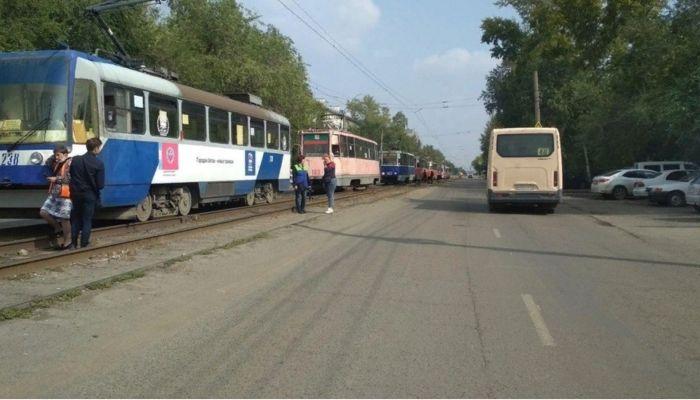 87-летняя пенсионерка попала под трамвай в Бийске