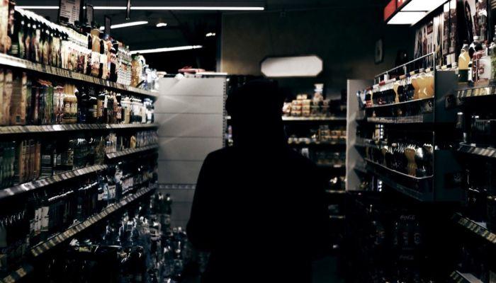 В Барнауле составили протокол на магазин, торгующий алкоголем