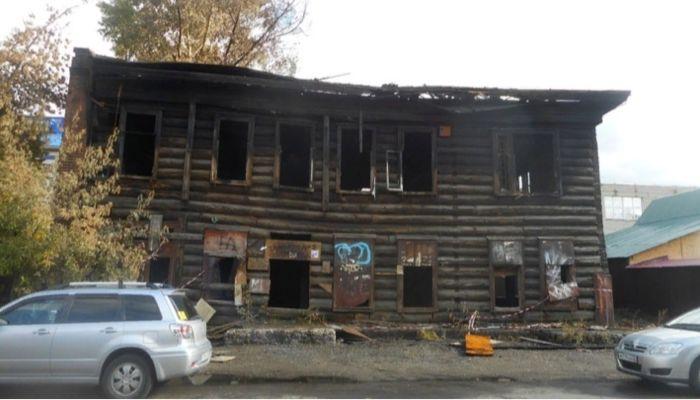 В Барнауле сгоревший дом оказался историческим памятником