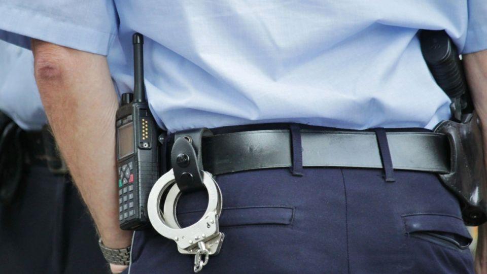 На Алтае женщина оскорбила полицейского из-за пьяного сына