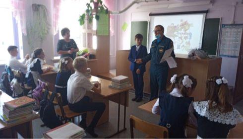 В Алтайском крае 11-летний мальчик спас дом соседей от пожара