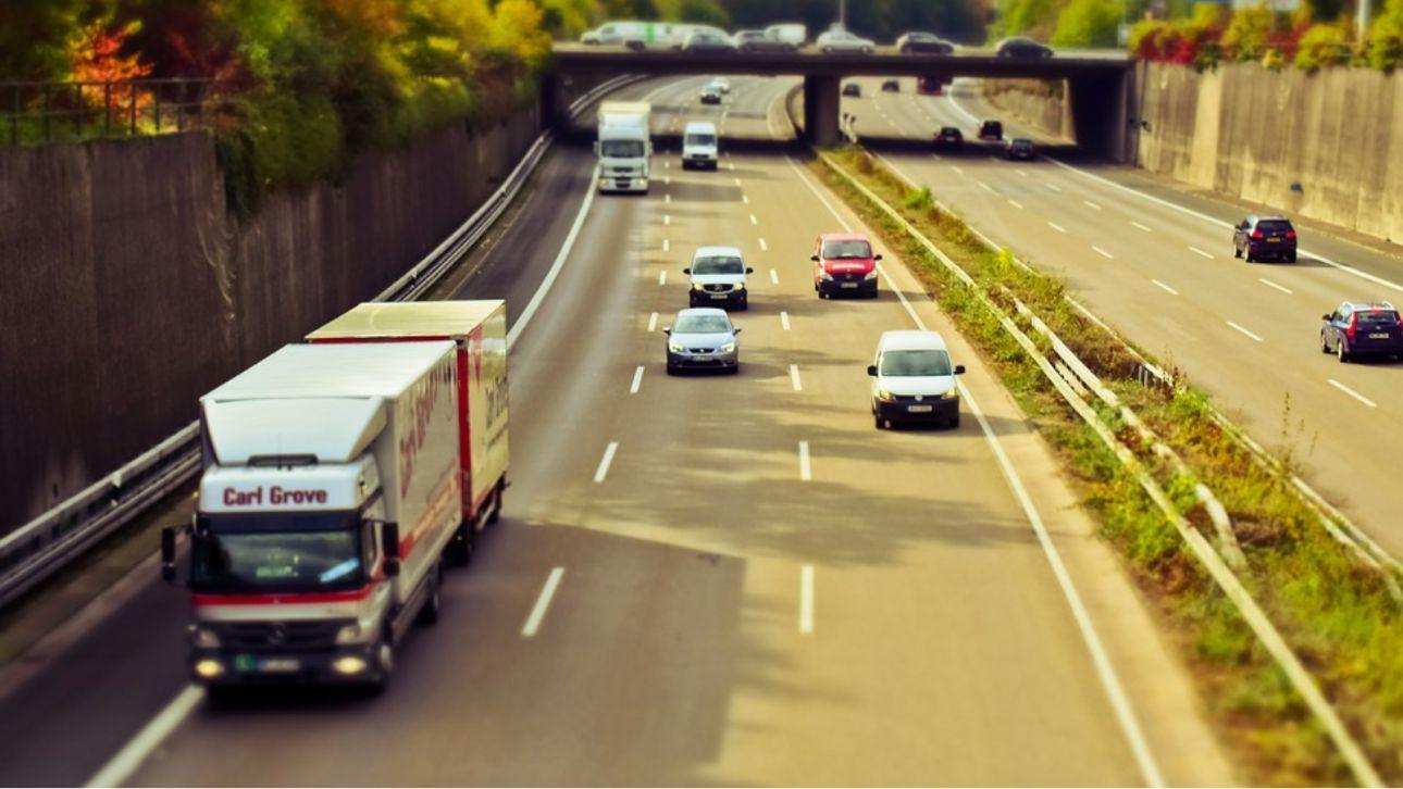 Тонировка, парковка, скорость: какие изменения внесут в ПДД