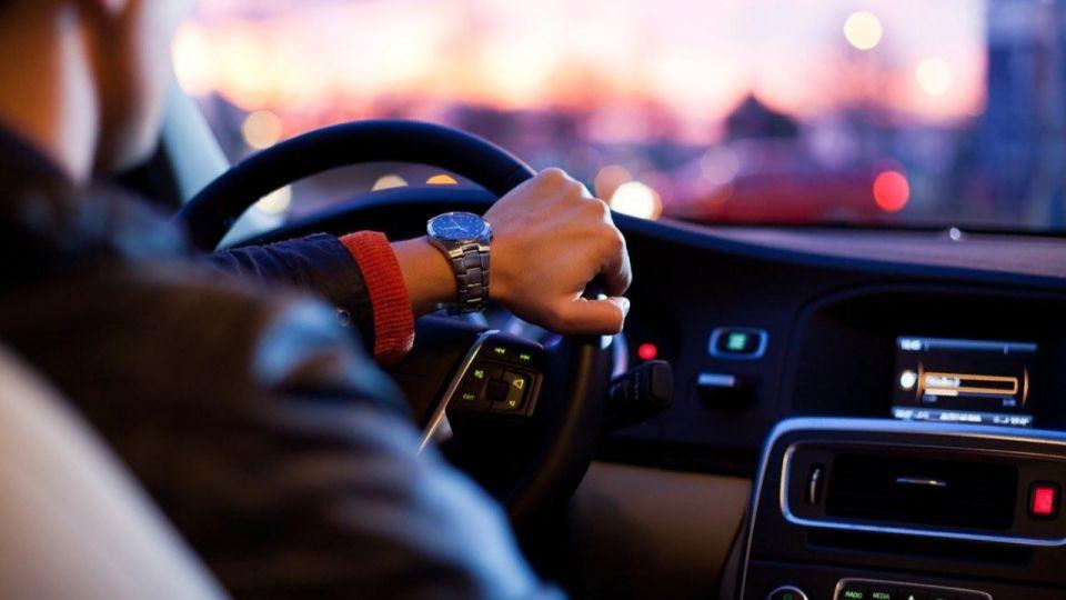 На Алтае 19-летний парень угнал автомобиль и совратил 15-летнюю школьницу