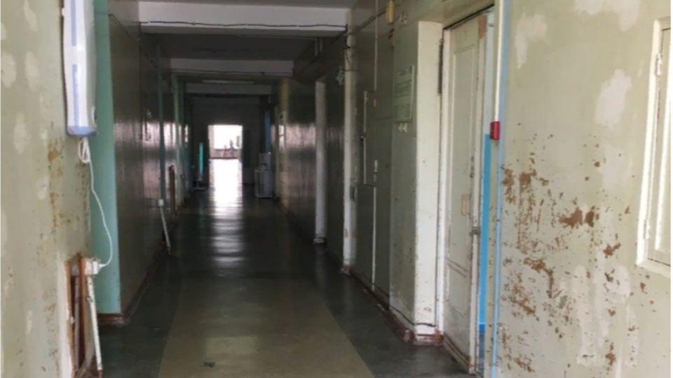 Руководство ковидного госпиталя в Барнауле ответит за тараканов и разруху