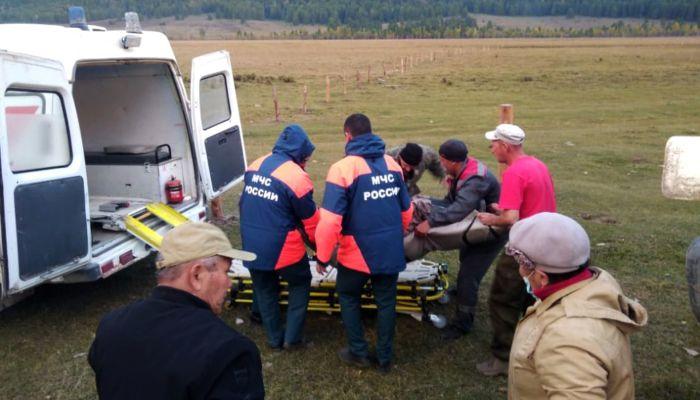 На Алтае спасатели случайно оказались на месте ДТП и помогли пострадавшим