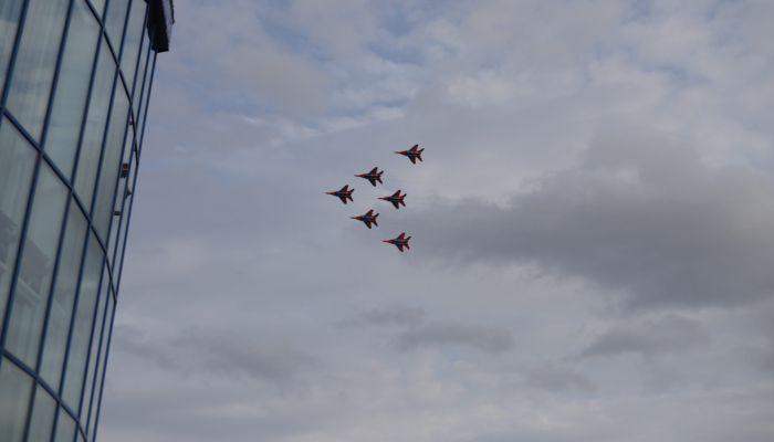 Стрижи пролетели: шестерка МиГ показала шоу в воздухе над Барнаулом