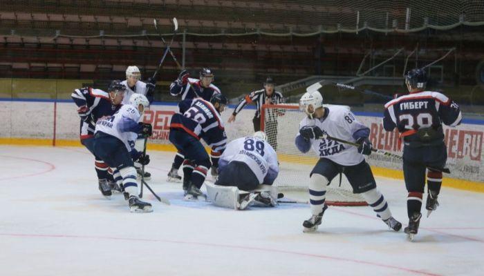 Хоккеисты Динамо-Алтай разгромили саратовский Кристалл на выезде