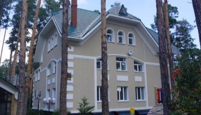 Сауна, баня, кинотеатр: коттедж за 50 млн рублей продают в Барнауле