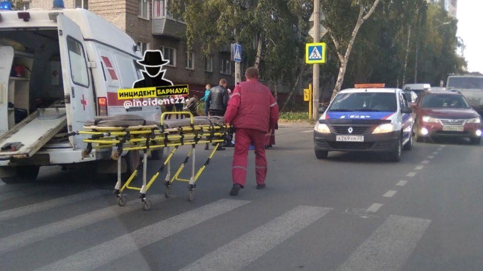 Мальчика на самокате сбила машина в центре Барнаула