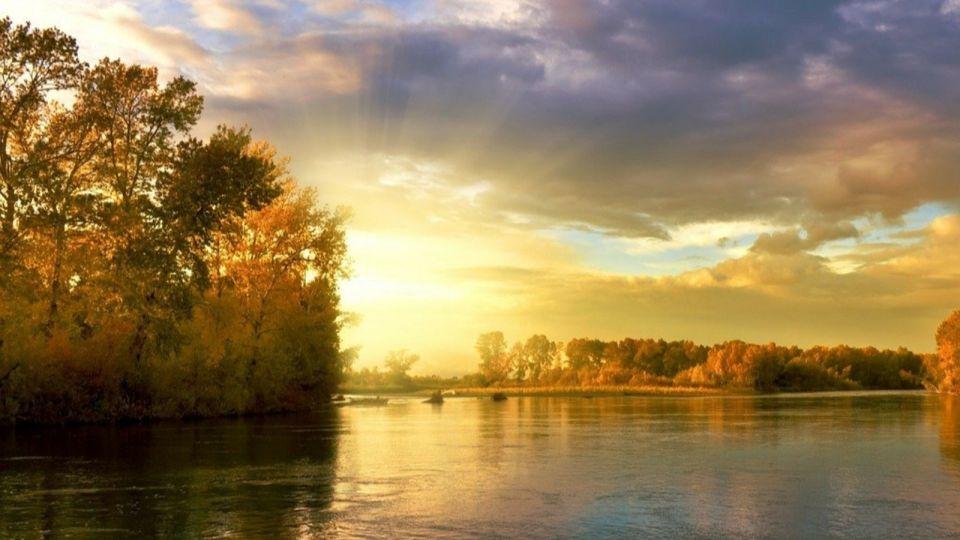 Восьмилетний мальчик погиб на Алтае, упав с обрыва реки