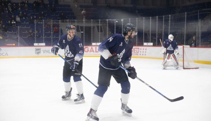 В хоккейной команде Динамо-Алтай 14 человек заразились коронавирусом
