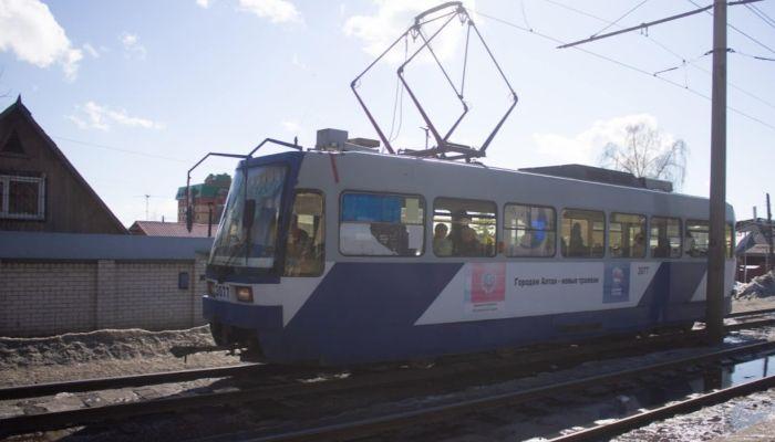 В Барнауле на три часа продлили время работы трамваев № 9