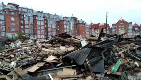 Пять ветхих домов в элитном центре Барнаула пошли под снос ради нового ЖК