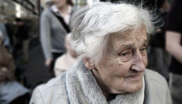Волонтеры снова начнут помогать пожилым людям в Барнауле из-за ковида