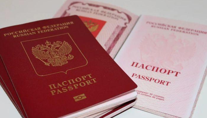 Некоторые иностранцы с 12 октября смогут легче получить гражданство России
