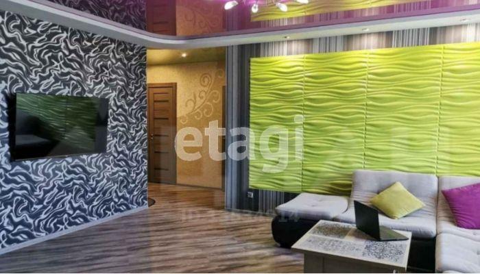 Трехкомнатную квартиру с необычным дизайном продают в Барнауле за 4,6 млн рублей