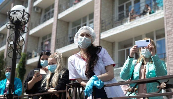 Те же очереди: как соседние сибирские регионы стонут от коронавируса