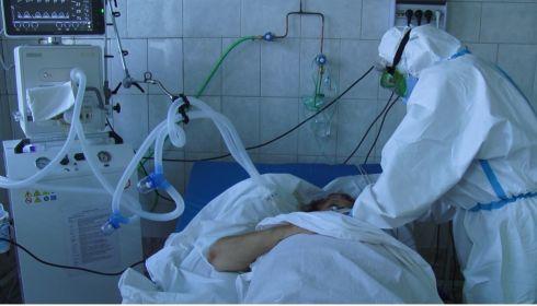Работаем в диком режиме: что происходит в ковидном госпитале Новоалтайска