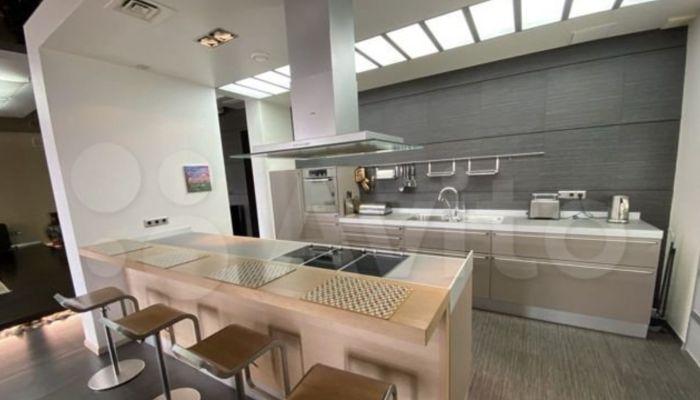 Квартиру почти в 250 квадратов сдают в Барнауле за 80 тысяч в месяц