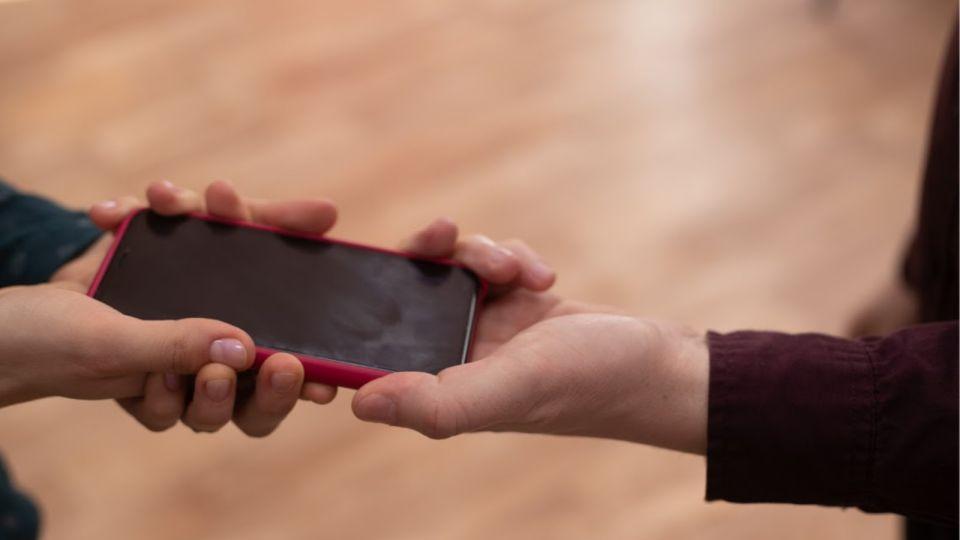 Эксперт дал совет, как отключить слежку по смартфону
