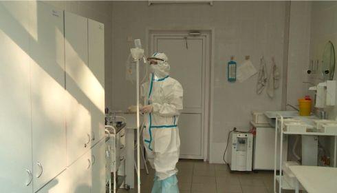 Ползаем после работы: врачи бийской инфекционки рассказали об условиях труда