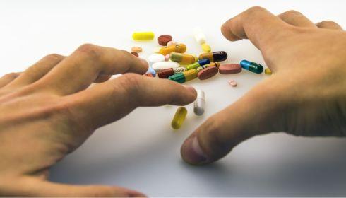 Контроль задушил: крупный поставщик открыл тайну дефицита лекарств в аптеках