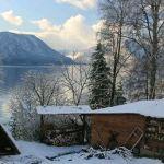 Словно в зимней сказке: на Телецком озере снова выпал снег