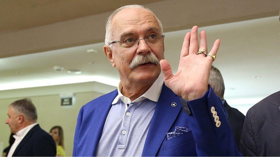 Путин присвоил режиссеру Никите Михалкову звание Героя труда