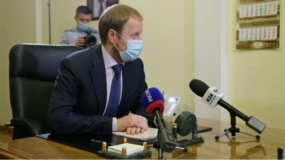Коронавирус подтвердился у четверых заместителей Виктора Томенко