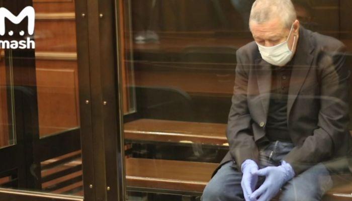 Повторный суд смягчил приговор Михаилу Ефремову, но ненамного