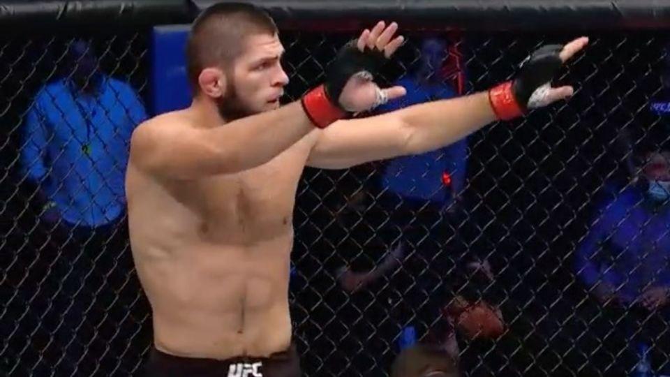 """""""Король навсегда"""": Хабиб защитил звание UFC и объявил о завершении карьеры"""