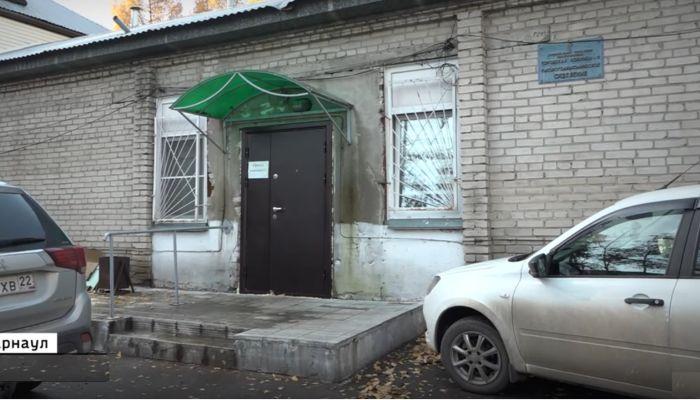 В Барнауле нашли способ разгрузить от ковидных трупов подвал больницы