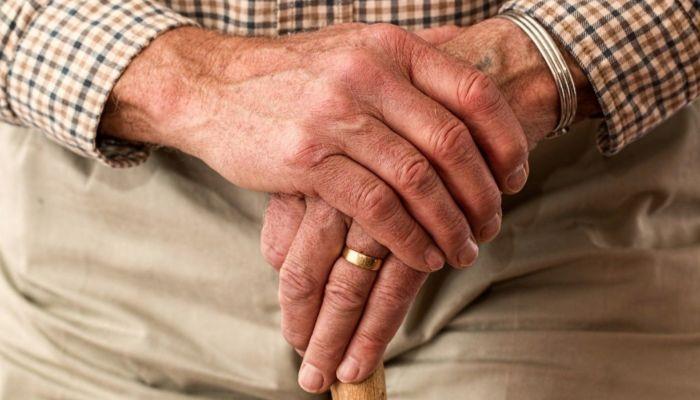 Ясновидящая выманила у барнаульской пенсионерки миллион рублей