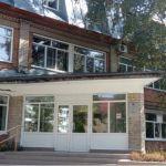 В Бийске не могут открыть третий ковидный госпиталь из-за нехватки врачей