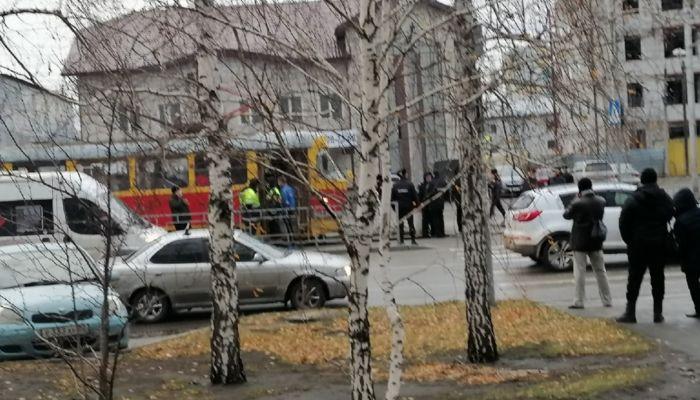 Десять человек отказались надеть маски и задержали движение трамваев в Барнауле
