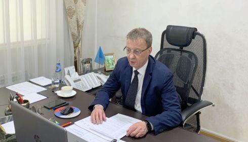 Вячеслав Франк просит барнаульцев не ходить по ТЦ во время каникул