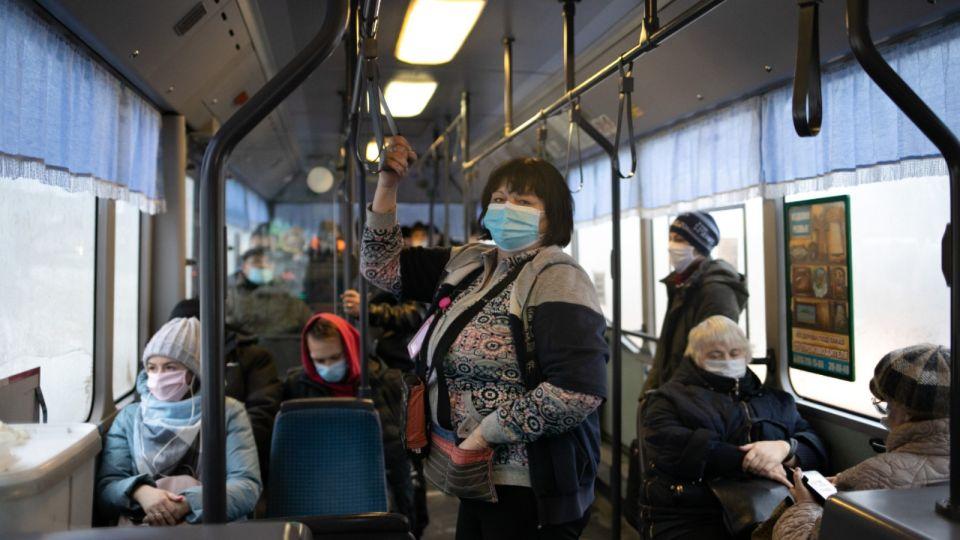 """""""Я право имею"""". Как антимасочники атакуют общественный транспорт Барнаула"""