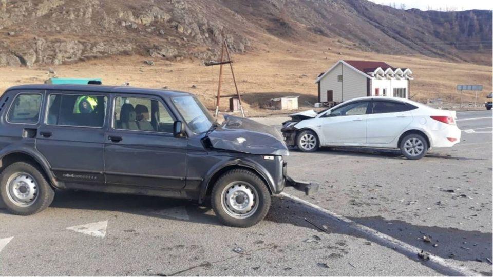 Пожилой житель Алтайского края пострадал в ДТП на Чуйском тракте