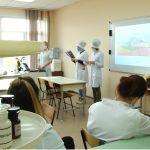 Как студенты медколледжа помогают в борьбе с COVID-19 в Барнауле