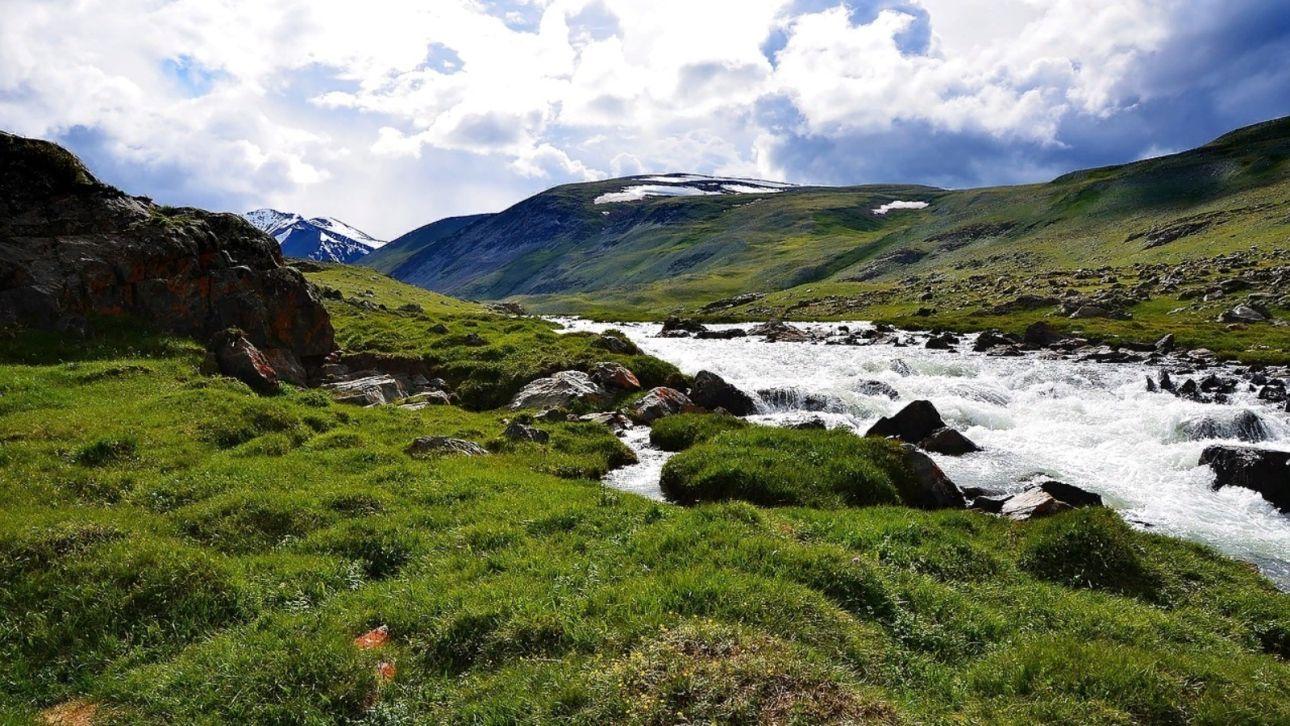 Два Алтая вошли в топ-5 популярных направлений для природного туризма