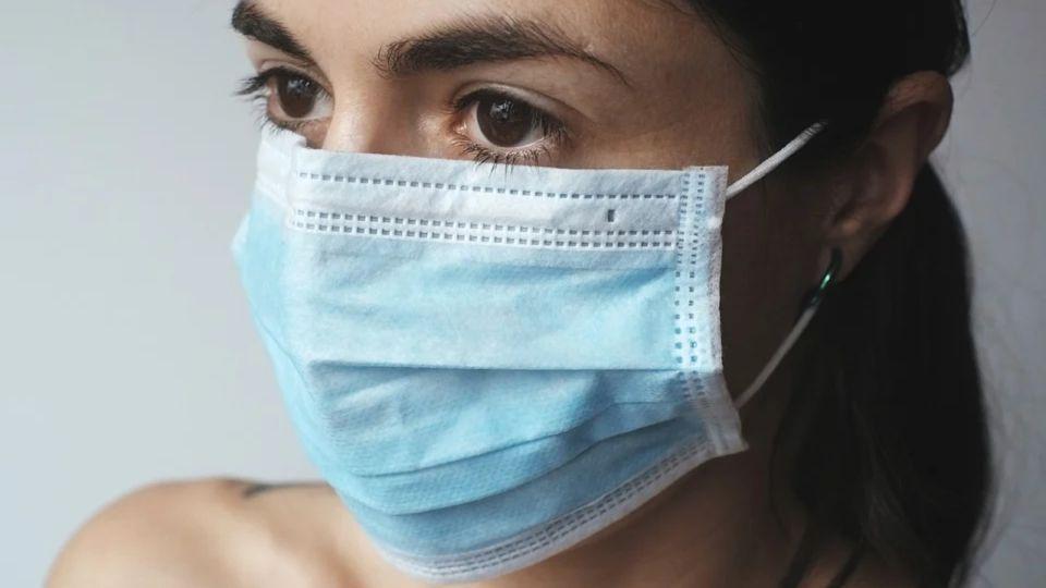 Еще больше: в России зарегистрировали 17 717 новых случаев COVID и 399 смертей