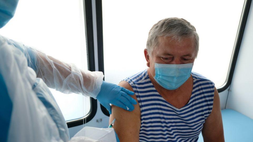 Почти половина жителей Алтайского края привилась от гриппа этой осенью