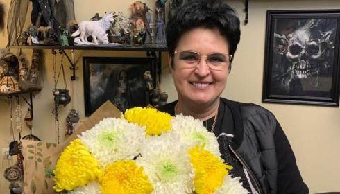 Финалистка Битвы экстрасенсов стала матерью в 52 года