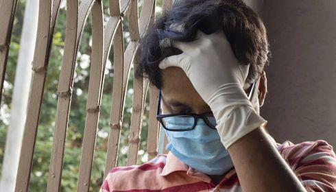 Ученый заявил о суперзащите очкариков против коронавируса
