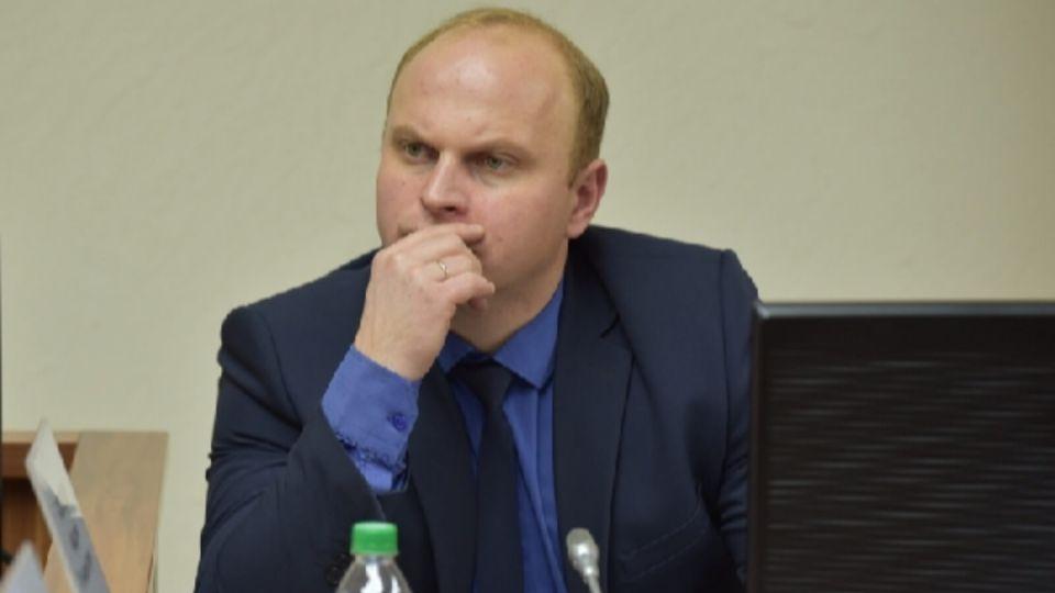 """""""Утки убирать"""": депутат предложил """"сослать"""" ковид-диссидентов в госпитали Алтая"""
