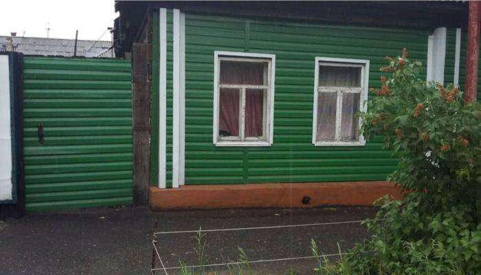 Барнаульская семья через суд добилась отмены штрафа за забор на красной линии