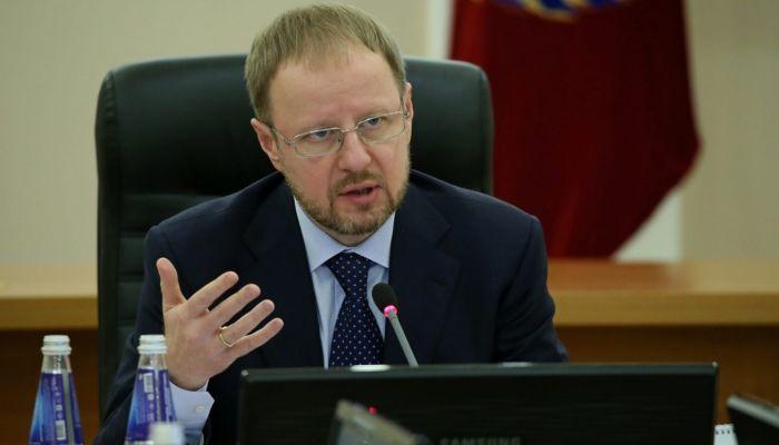 Алтайский губернатор Томенко дал учителям и школьникам ещё неделю
