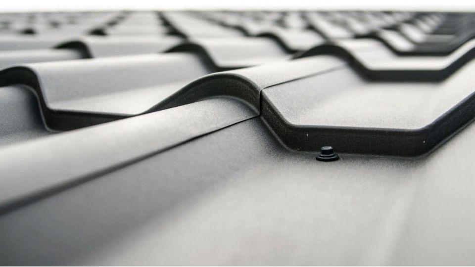 Ветер сорвал крышу с пристройки к зданию школы в алтайском селе